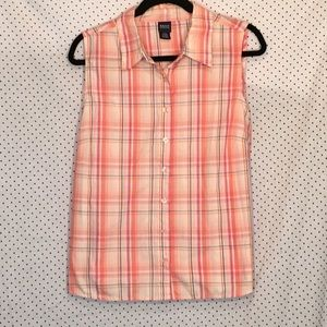 Basic Editions Plaid Sleeveless Button Down Blouse